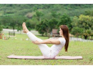 yoga la posture du bateau